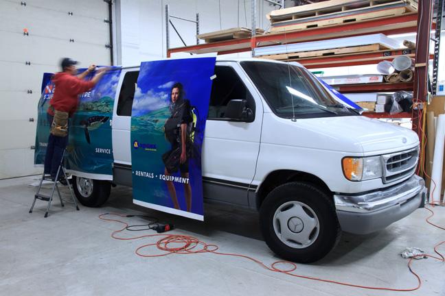 vehicle152